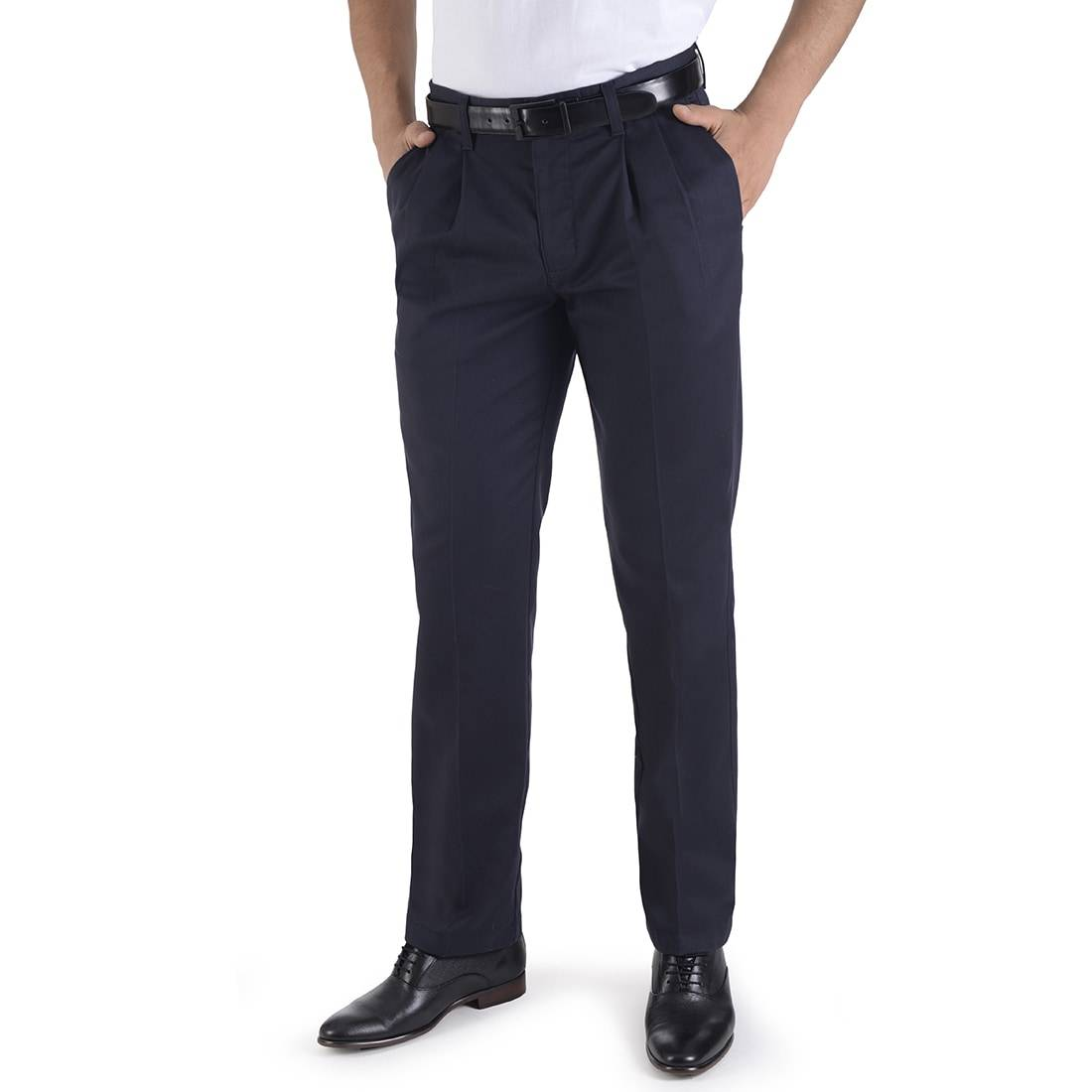 010816072619-01-Pantalon-Casual-Classic-Fit-Con-Pinzas-Repelente-a-Manchas-Marino-yale